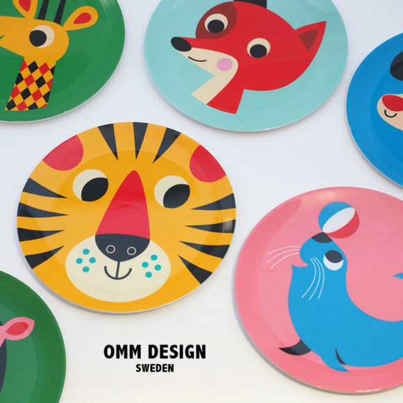 どこかレトロな動物たちの絵柄が大胆で楽しい、スウェーデンのメラミン食器