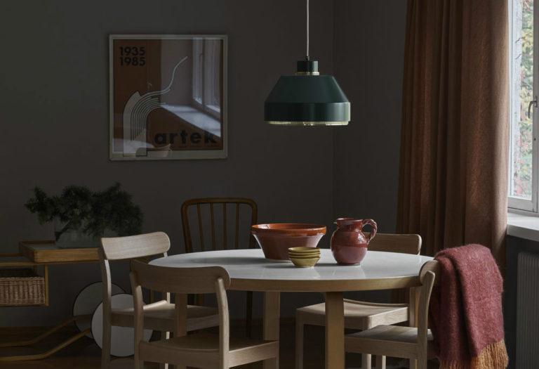 ふとした瞬間に親しみを感じるartekアルテックの家具。テーブル、チェア、スツール