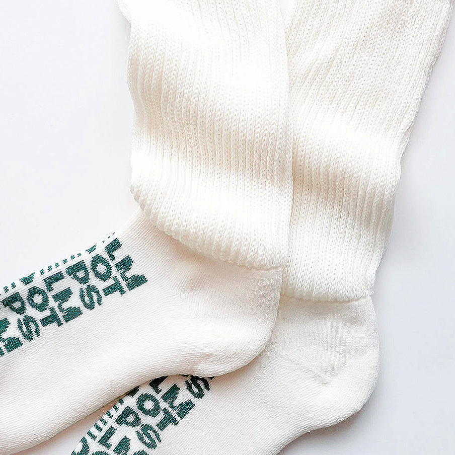 wool loose socks LETTER(off white) FEEL MY FOOT STEPS