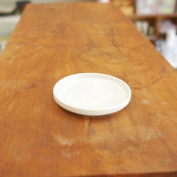 TRIP WARE フタ90 プレート10cm 白釉 美濃焼 ヨシタ手工業デザイン室